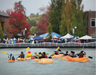 """Oregon Town Hosts Annual Pumpkin Regatta Because Nothing Screams """"Autumn"""" Like Drowning in a Gourd"""