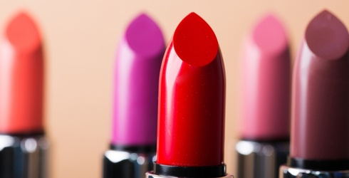 Which Lipstick Are You Based on Your Makeup Preferences?