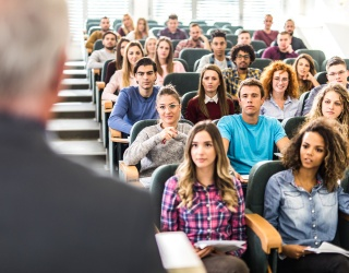 """More and More Colleges Are Offering """"Adulting"""" Classes, Because Apparently Gen Z Is Hopeless"""