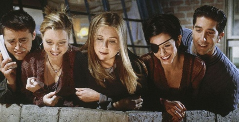 """22 of the Best Episodes of """"Friends"""" to Watch Before It Leaves Netflix Forever"""