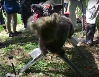 """This """"Super Monster Wolf"""" Robot Is Quite Literally the Most Terrifying Thing I've Ever Seen"""