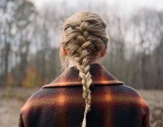 """Taylor Swift's """"Evermore"""" French Braid Is Everyone's Quarantine Look of Envy"""