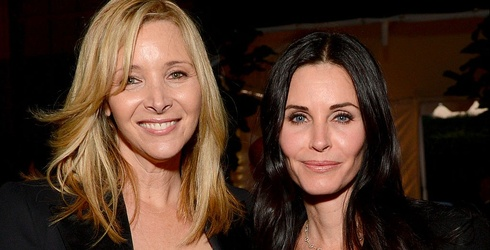 """Courtney Cox and Lisa Kudrow Are Still Total """"Friends"""" Experts"""