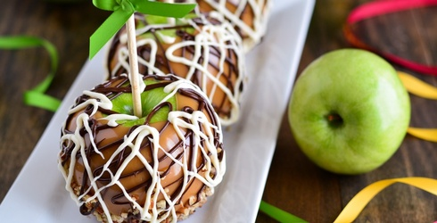 These Deluxe Caramel Apples Almost Look Too Good to Eat (Almost)
