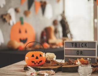 10 Adorable Halloween Tier Tray Displays