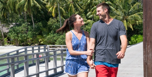 """Becca Kufrin Is A """"Bachelorette"""" No More! Can You Complete This Puzzle of Her and Her Husband-to-Be?"""