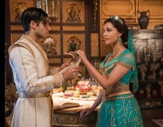 """This Behind-the-Scenes """"Aladdin"""" Clip Somehow Still Makes Me Emotional"""