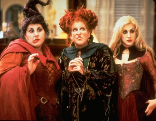 """These 13 """"Hocus Pocus""""-Themed Items on Etsy Will Put a Spell On You"""