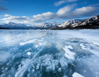 Weekend Wanderlust: Mind Your Step as You Glide Over These 7 Frozen Lakes