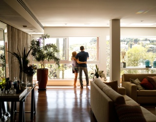 9 Tips to Plan the Staycation of You and Your Partner's Dreams