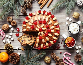 Fruitcake Isn't All Bad! Find the Differences in These Festive, Fruity Photos