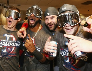 This Week's Great GIF Rundown: Red Sox, Sears & Seafood Bisque