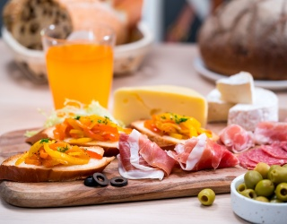 Only Real Charcuterie Masters Know How to Curate the Best Cheese Board