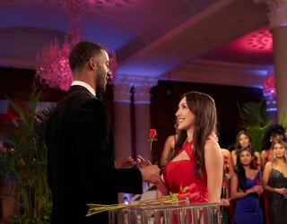 """The """"Bachelor"""" Producers Did These Two Contestants so Dirty on Last Night's Premiere"""