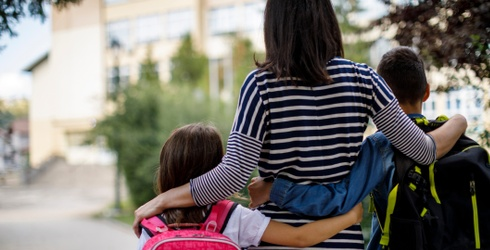 Pack a Lunchbox for Your Kids and We'll Give You a First Day of School Photo Idea