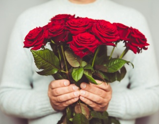 Cabinet of Curiosities: What Does the Number of Roses in a Bouquet Mean?