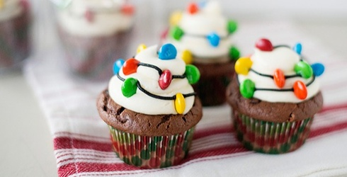 10 Holiday Cupcakes That Will Make Better Gifts Than What's Under the Tree