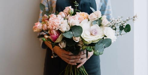 How to Master the Art of Flower Arranging
