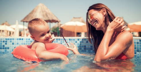 Take Your Little One Swimming After This Quiz Finds a New Pool Float for You to Use