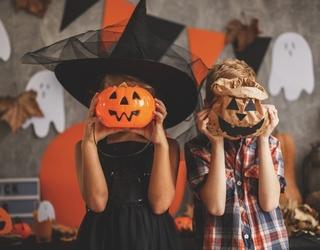 "6 Tweets That Say: ""We Get It, You Like Halloween"""