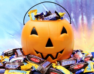 Snickers Joins the (Heated) Debate Over Changing Halloween's Annual Date