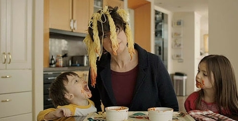 16 Thoughts You Have During Mealtime With Kids