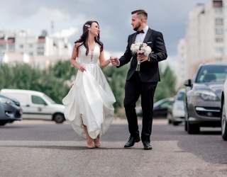 NYC Wedding Party Goes Viral for Blocking 5th Avenue Traffic
