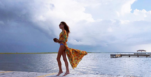 We're Too Jealous of Armie Hammer and Elizabeth Chamber's Tropical Vacation to Not Make a Memory Match