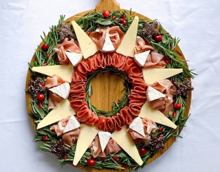 We See Your Holiday Charcuterie Boards and Raise You These 10 Charcuterwreaths