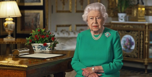 """The Queen Helps Us See That """"Better Days Will Return"""" in Uplifting Video"""