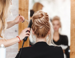 Take This Quiz to Help Figure out How to Experiment With Your Hair While at Home