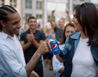 Kendall Jenner Ended Racism with a Pepsi and Twitter Has a Lot of Feelings About It