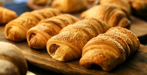 Help Spice up Your Bland Friday Night With These 13 Pigs in a Blanket Recipes
