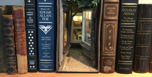 Book Nooks Are the Home Decor/Book Nerd Crossover We Didn't Know We Needed