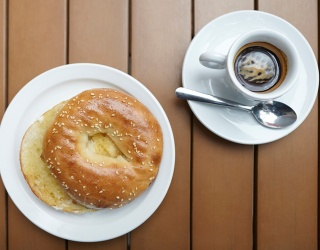 What Are the Rules Behind Toasting a Bagel?