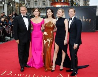 """""""Downton Abbey"""" Stars Clean up Nicely for World Premiere"""