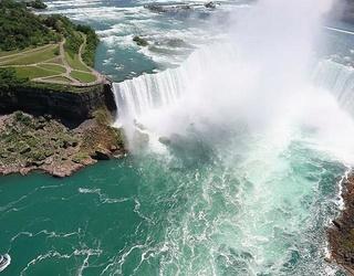Aerialist Erendira Wallenda Hangs Over Niagra Falls by Her Teeth, Because Who Needs Teeth?