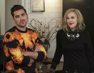 Match the Photos of the Rose Family While They Decide Whether or Not to Stay in Schitt's Creek