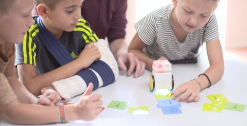 Kubo Teaches Kids How to Code and Gets Them Away From Screens at the Same Time