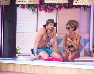 """Let Your Dating History Decide If You'd Survive a Dumping on """"Love Island"""""""