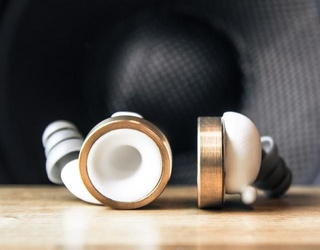 Knops Earbuds Give You a Volume Button for Everyday Life, Without Changing the Quality of Sounds