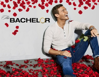 """""""Bachelor"""" Peter Weber Will Only Extend a Rose if You Can Find All the Differences"""