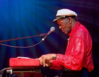 Chuck Berry, Legendary Rock 'N' Roll Musician, Dies at 90