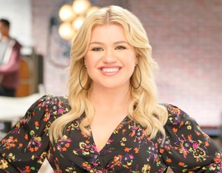 Who Would Make a Better Talk Show Host: Kelly Clarkson or Drew Barrymore?