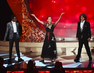 Photos of the Week: Emmy Awards and a State of Emergency