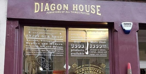 A Harry Potter Store Opened on the Real Life Diagon Alley for All Your Wizarding Needs