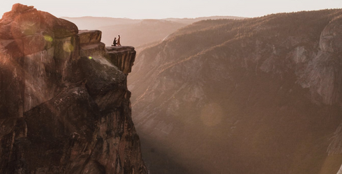 This Photographer Finally Found the Couple He Stumbled Upon During Their Proposal
