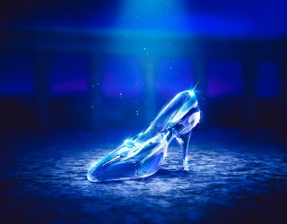 """Celebrate 70 Years of Disney's """"Cinderella"""" With This Glass Slipper Puzzle"""