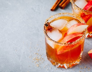 5 Apple Cider Cocktails to Spice up Your Fall Party