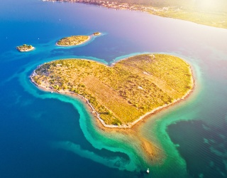 Weekend Wanderlust: This Valentine's Day, Get Whisked Away on a Heart-Shaped Adventure
